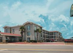 La Quinta Inn by Wyndham Galveston East Beach - Galveston - Building