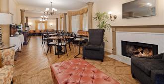 Victorian Inn - Monterey - Restaurant