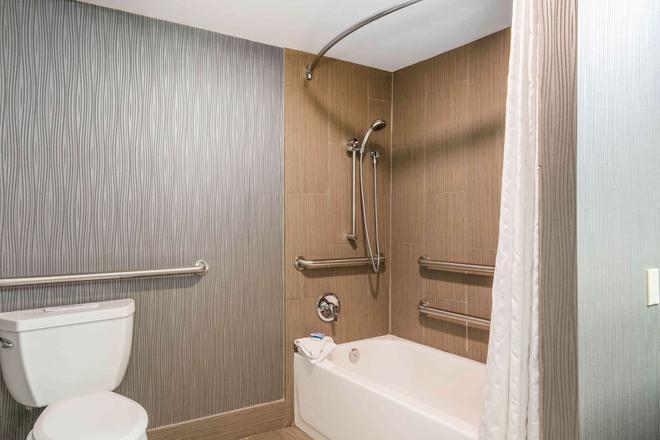 市中心會議中心貝斯特韋斯特酒店 - 納什維爾 - 納什維爾 - 浴室