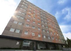 Green Rich Hotel Tosu Ekimae - Tosu - Κτίριο