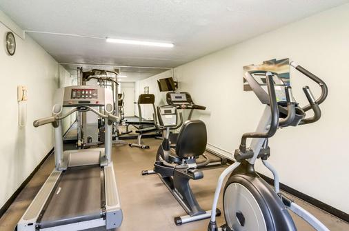 Quality Inn Roanoke Airport - Roanoke - Gym
