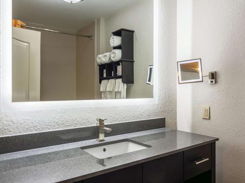 La Quinta Inn & Suites by Wyndham Prattville - Prattville - Bad