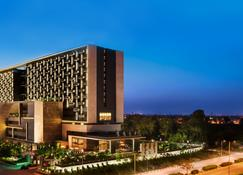 The Leela Ambience Convention Hotel, Delhi - New Delhi - Building