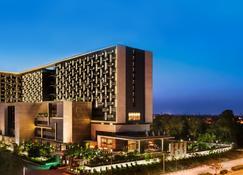 The Leela Ambience Convention Hotel Delhi - Neu-Delhi - Gebäude