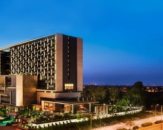 The Leela Ambience Convention Hotel Delhi - New Delhi - Building