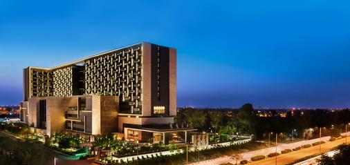 The Leela Ambience Convention Hotel, Delhi - New Delhi - Building