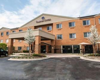 Comfort Suites Elgin - Elgin - Building