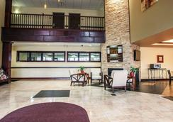 Comfort Suites - Elgin - Lobby