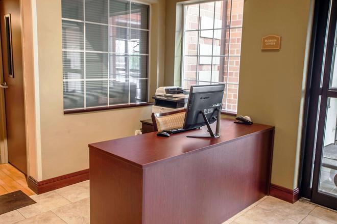 Comfort Suites - Elgin - Business Center