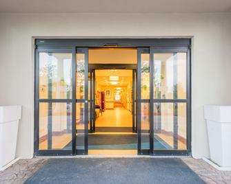 Holiday Inn Express & Suites Quakertown - Quakertown - Building