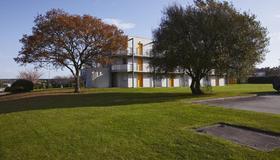 Hotel Premiere Classe Cherbourg - Tourlaville - Cherbourg-en-Cotentin - Building