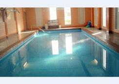 Sandy Beach Hotel - San Juan - Bể bơi