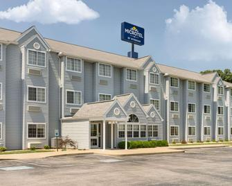 Microtel Inn & Suites by Wyndham Bowling Green - Bowling Green - Building