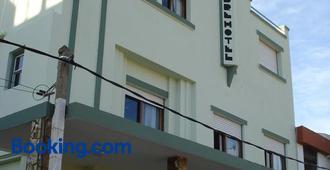 Hotel La Cumbre - Пириаполис - Здание