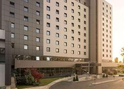 布加勒斯特華美達大酒店會議中心 - 布加勒斯特 - 布加勒斯特 - 建築