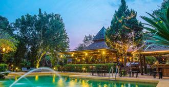 Belle Villa Resort, Pai - פאי - בריכה
