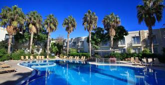 Mandarin Resort & Spa - Bodrum - Piscina