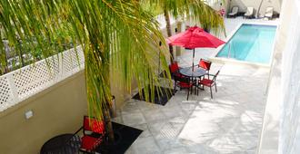 The Lodgings Hotel SureStay Collection by Best Western - Providenciales