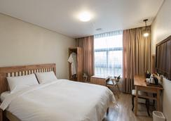 Hotel Elin - Jeju City - Bedroom