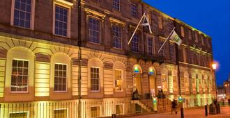 Holiday Inn Express Edinburgh City Centre - Edinburg - Gebouw