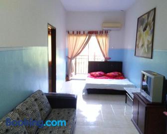 Sanie D'Suria A' Guest Room Bukit Merah Laketown Resort - Simpang Empat (Semanggol) - Bedroom