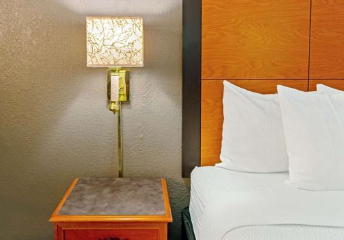 la quinta inn by wyndham santa fe 60 1 0 3 santa fe hotel deals reviews kayak la quinta inn by wyndham santa fe 60