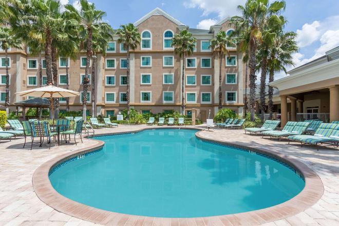 布埃納維斯塔湖溫德姆霍桑套房酒店 - staySky 連鎖酒店成員 - 奥蘭多 - 奧蘭多 - 游泳池