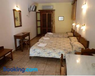 Akroyiali Apartments - Gerolimenas - Bedroom