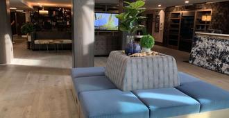 Oxford Suites Portland - Jantzen Beach - פורטלנד - לובי
