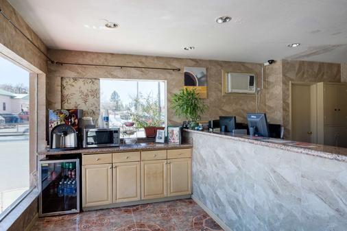 Motel 6 Santa Fe Plaza - Downtown - Santa Fe - Buffet