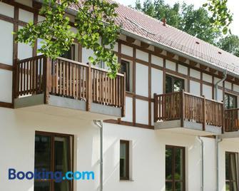 Neue Mühle Hotel und Restaurant - Brandeburgo - Edificio