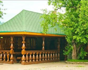 Barskaya Usadba - Kamennomostskiy - Außenansicht