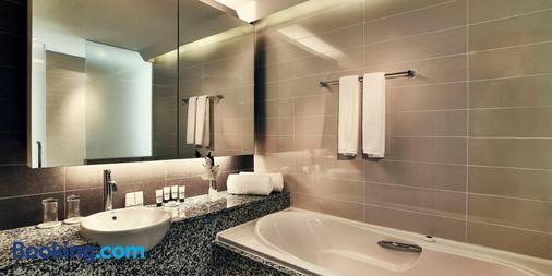 Pan Pacific Hanoi - Hanoi - Bathroom