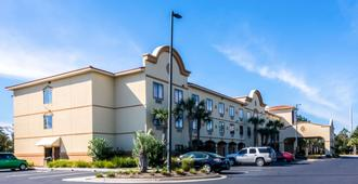 Comfort Suites Panama City Beach - Panama City Beach - Building