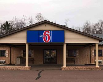 Motel 6 Bloomsburg, PA - Bloomsburg - Building