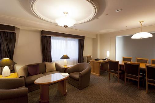 Hakata Excel Hotel Tokyu - Fukuoka - Living room