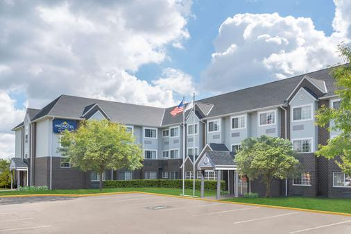 Microtel Inn & Suites by Wyndham Eagan/St Paul - Eagan - Building