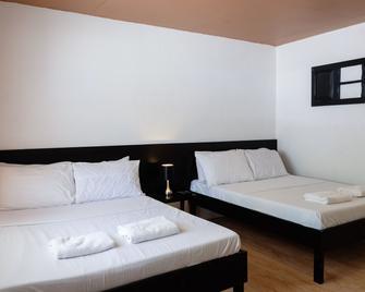 La Playa Estrella Beach Resort - Santa Fe - Bedroom