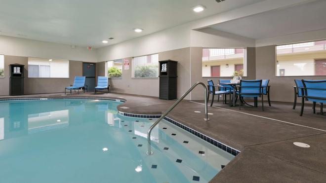 Best Western Inn of Vancouver - Vancouver - Pool