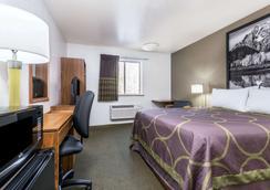 Super 8 by Wyndham Missoula/Reserve St. - Missoula - Bedroom