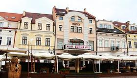 Bristol Tradition And Luxury - Rzeszów - Gebouw