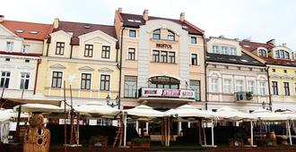 Bristol Tradition And Luxury - Rzeszów - Gebäude