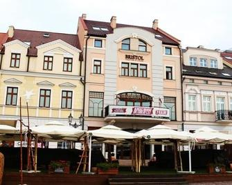 Bristol Tradition And Luxury - Ряшів - Building
