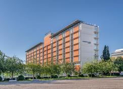 Courtyard by Marriott Linz - Linz - Building
