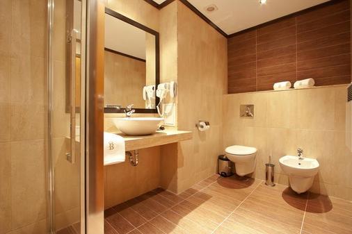 Best Western Plus Bristol Hotel - Sofia - Bathroom