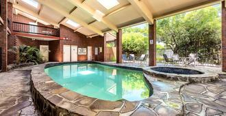 Comfort Inn & Suites Sombrero - Adelaide - Pool