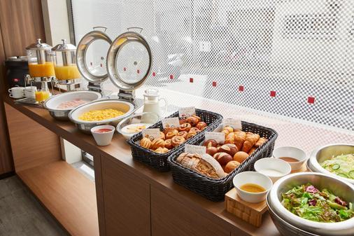 the b tokyo shimbashi - Tokio - Buffet