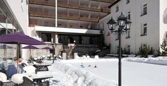 Morosani Schweizerhof - Davos - Building
