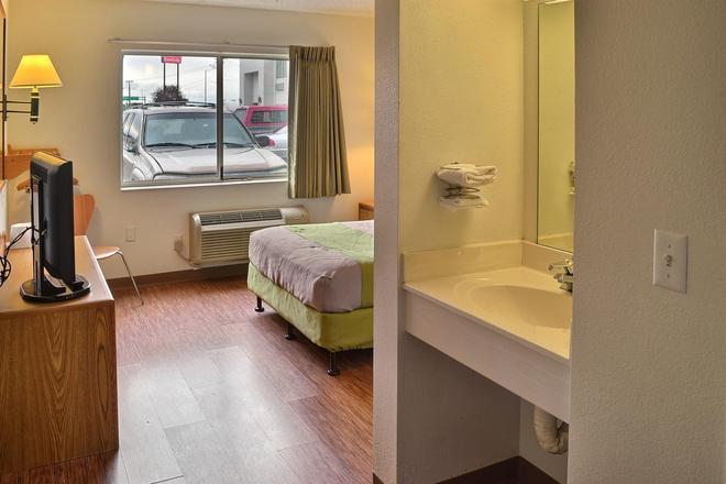 畢林斯北 6 號汽車旅館 - 比林斯 - 畢林斯 - 臥室