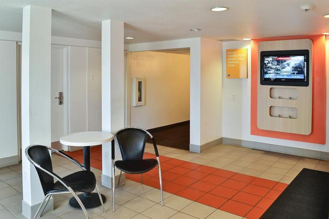 Motel 6 Billings - Billings - Lobby